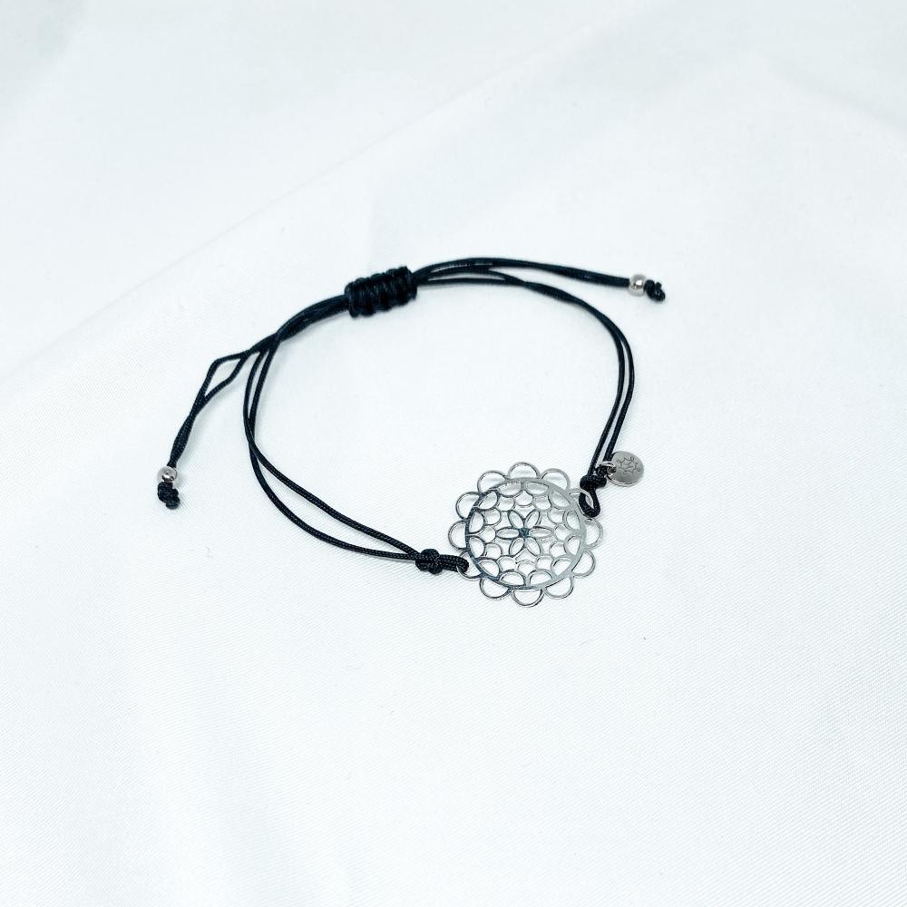 Bransoletka sznurkowa LARA srebrna z kwiatkiem